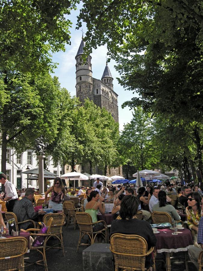 Onze Lieve Vrouweplein Maastricht