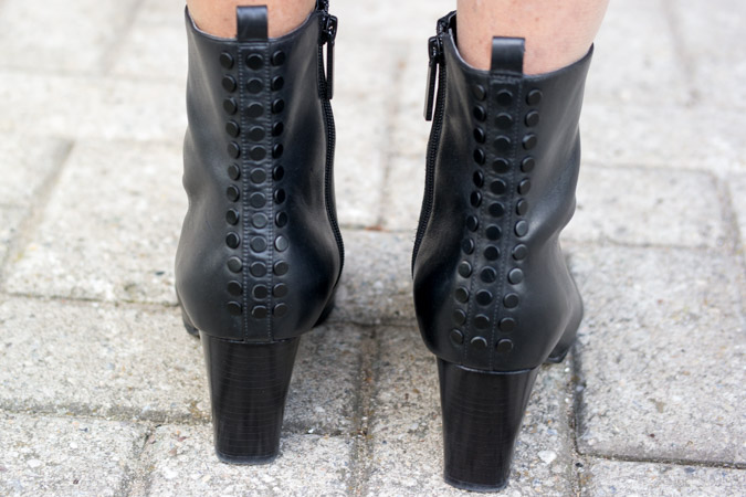 Black ankle boots Kendall & Kylie