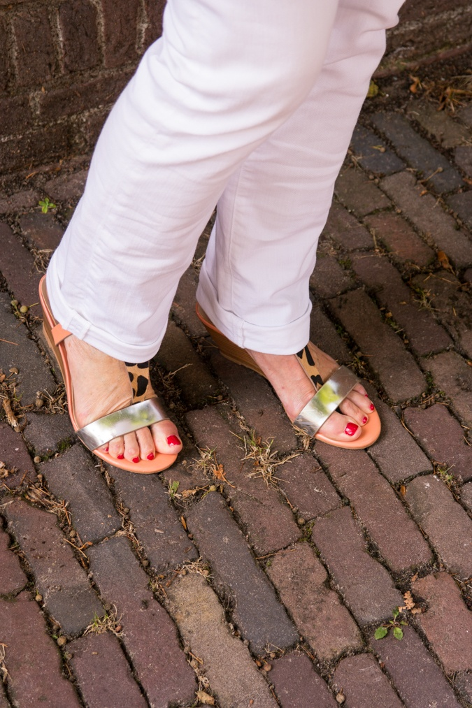 sandals with leopard print