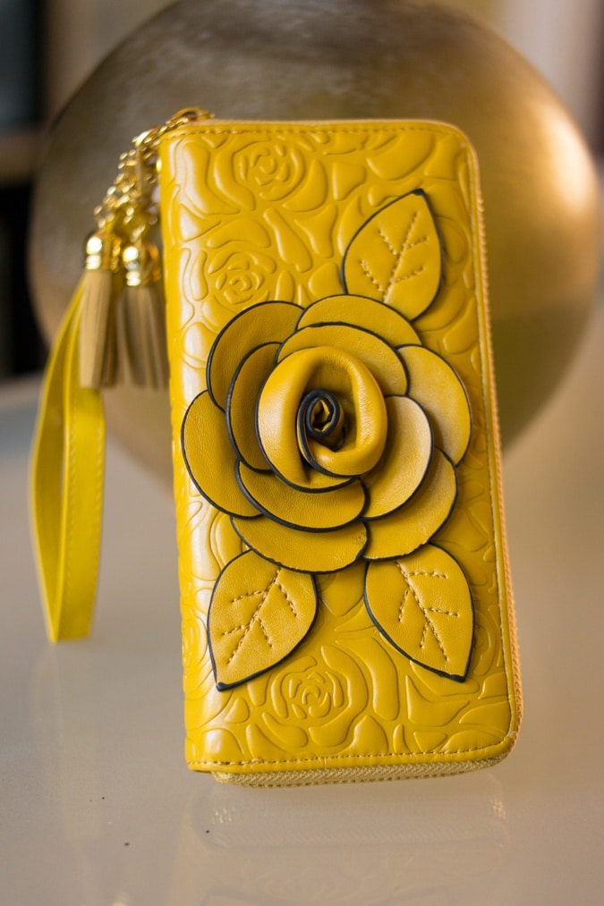 Ochre leather purse Today's Vintage