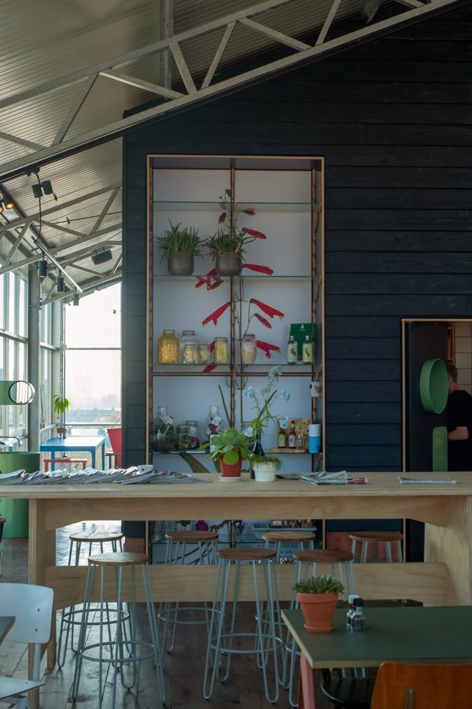 Dakkas restaurant interior