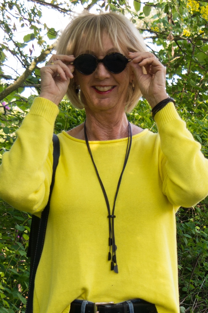 Lemon yellow spring jumper