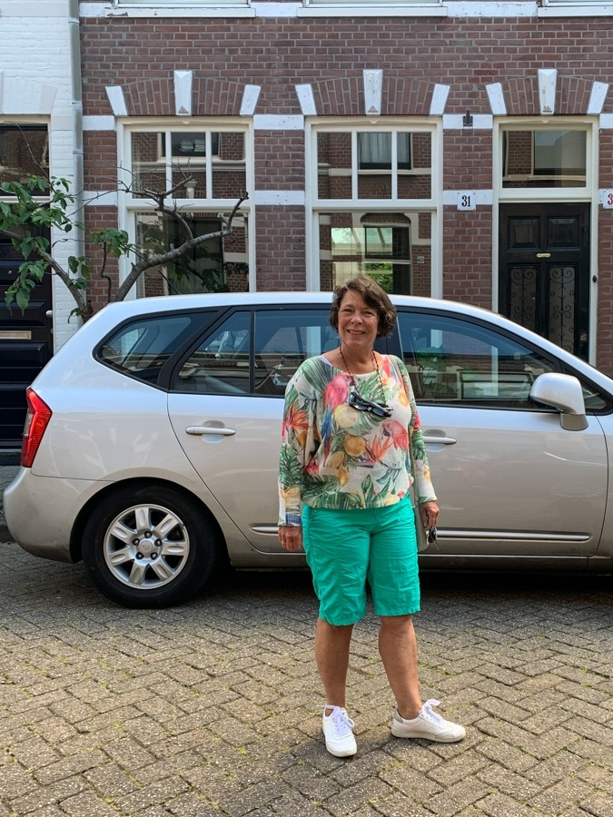 Loes in the street