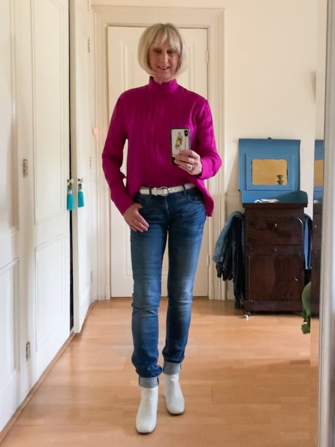Outfit Sunday with purple blouse