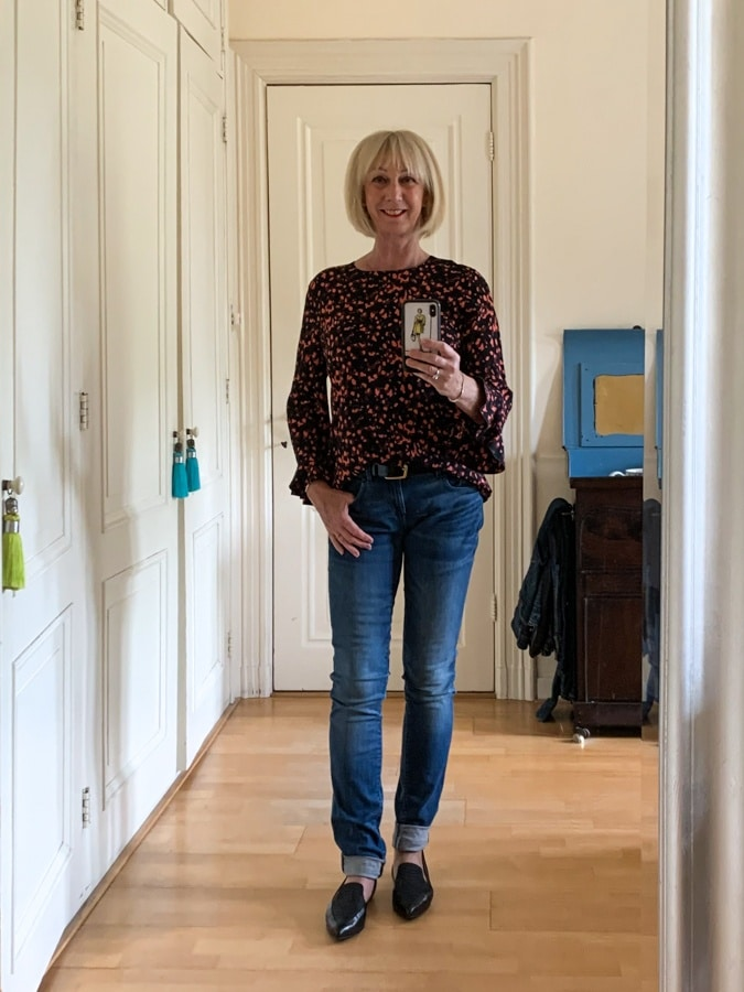 Outfit Friday Pink and black blouse