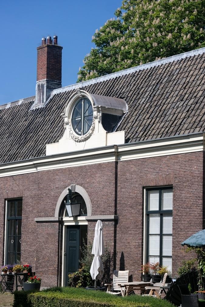 Teylers Hofje window