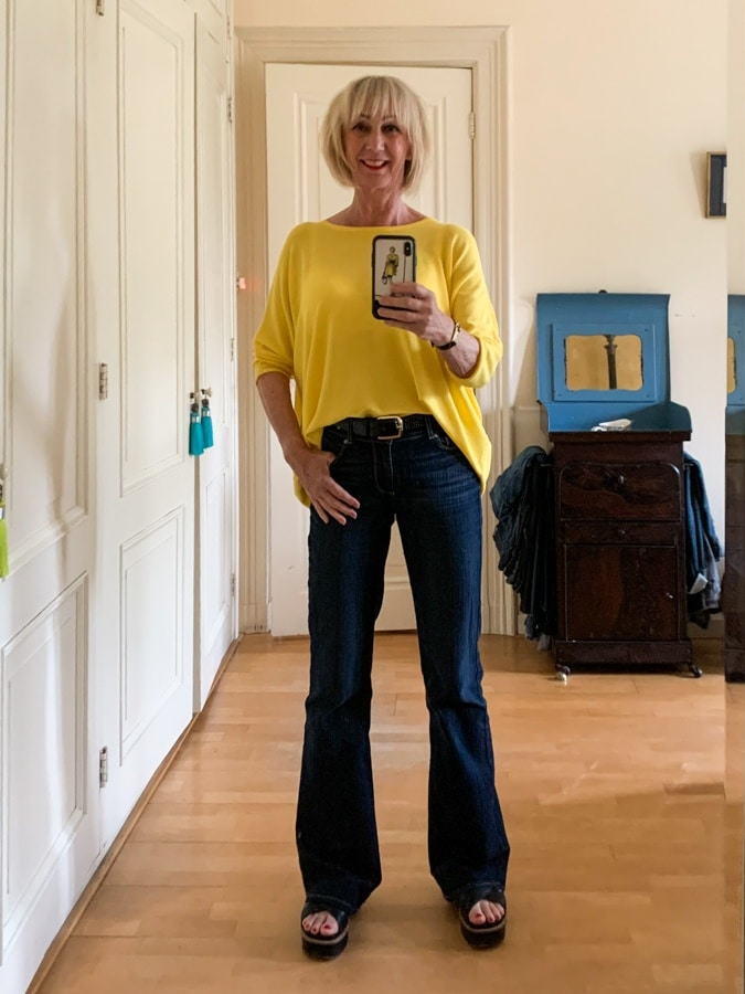 Outfit Tuesday yellow jumper with flared jeans