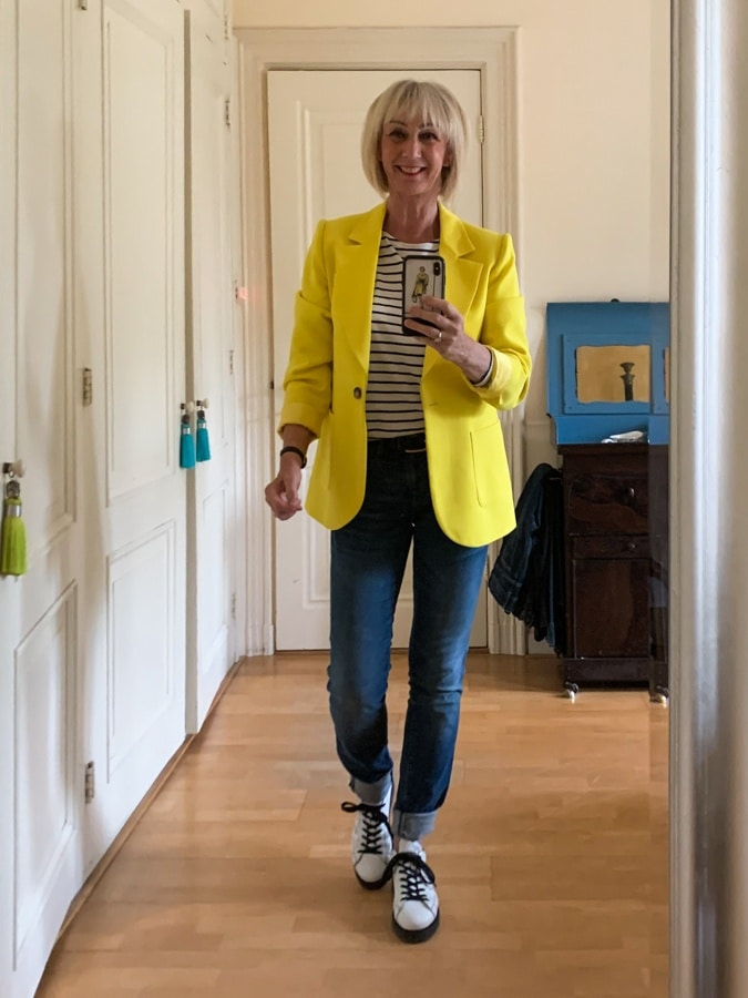 Outfit Thursday with yellow jacket