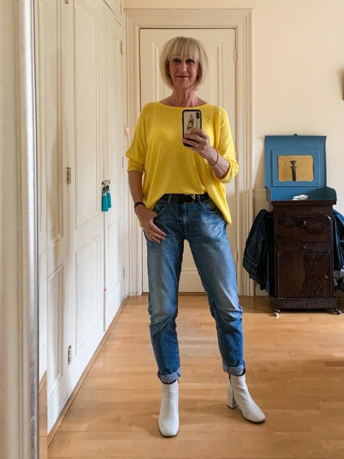 Outfit Sunday, yellow jumper on boyfriend jeans