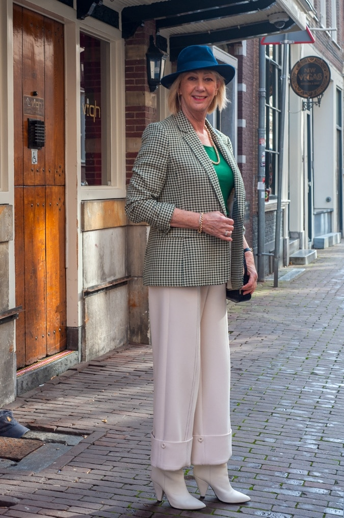 Houndstooth blazer in green and cream