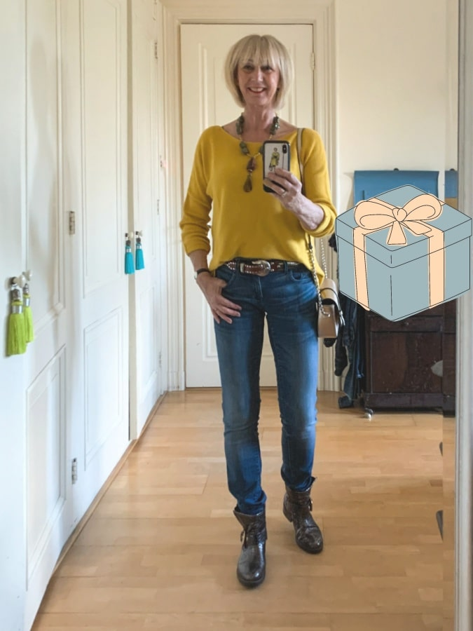 Outfit Monday yellow jumper and jeans