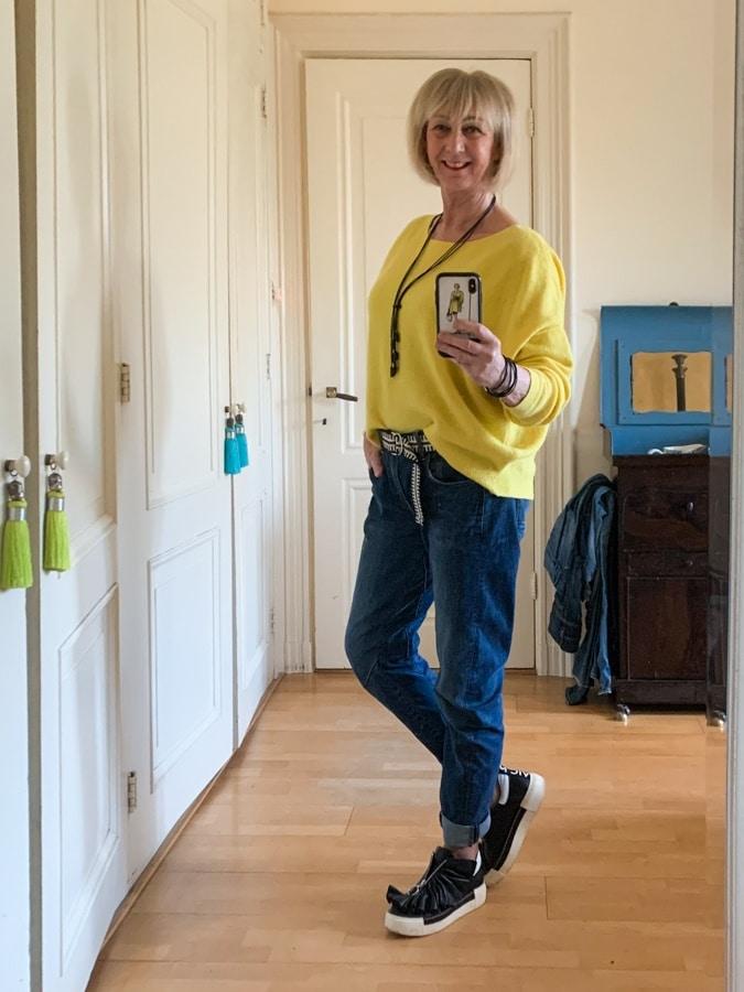 Yellow jumper on boyfriend jeans