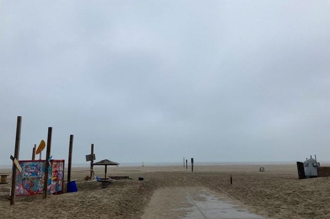 Beach in IJmuiden in winter