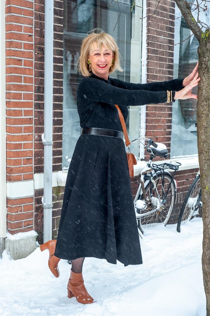 flared black midi skirt