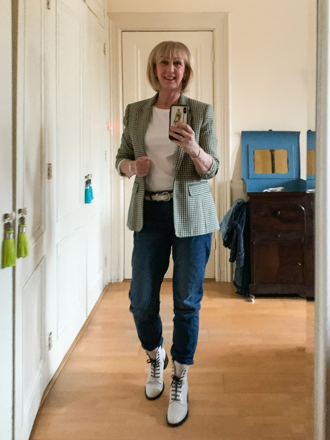 OOTD Green and cream houndstooth blazer on jeans