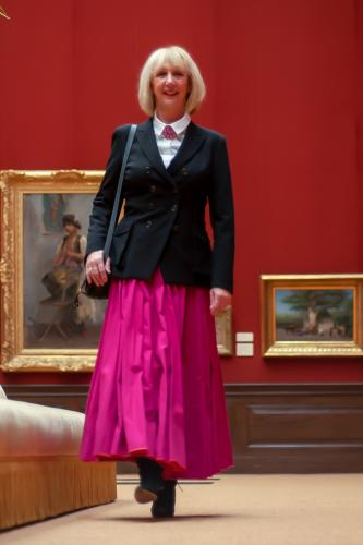 Long and wide fuchsia skirt