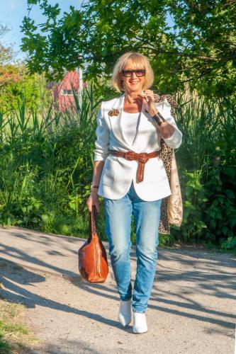 White jacket by Essentiel